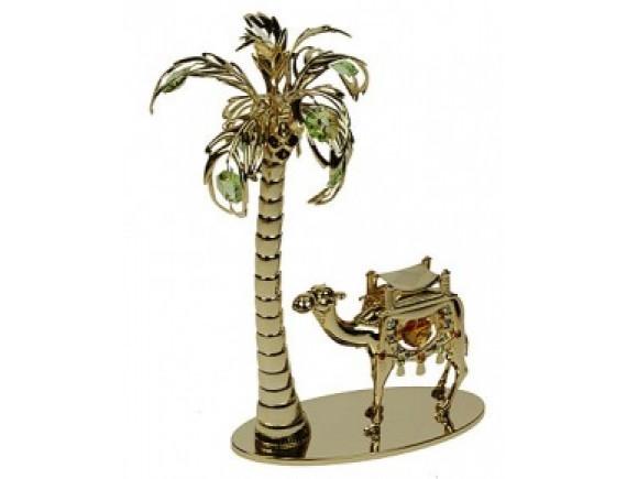 Верблюд под пальмой