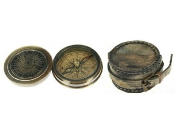 Сувенир в кожаном футляре: компас